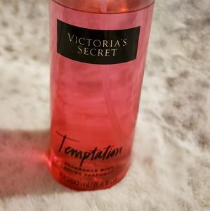 Victoria Secret Temptation fragrance m